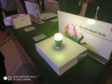 Xiaomi Redmi Note 7 fotografie chytrá žárovka