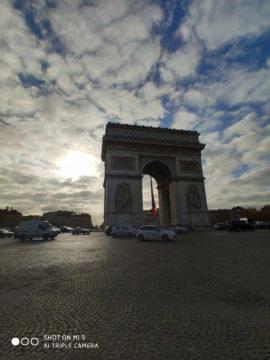 Jak fotí Xiaomi Mi 9 vítězný oblouk západ slunce