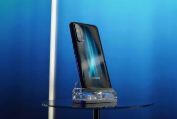 Telefon Honor 20 Pro design zadni strany