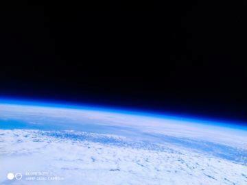 Xiaomi Redmi Note 7 fotografie vesmir stratosfera