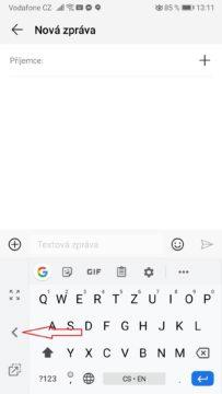 Jak psát na klávesnici mobilu jednou rukou