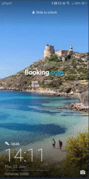 Reklama na booking na zamykací obrazovce Huawei a Honor