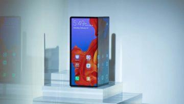 Huawei Mate X - ohebný telefon