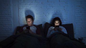 Mladá generace - závislost na telefonu