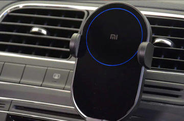 Uchycení v autě - nabíječka Xiaomi