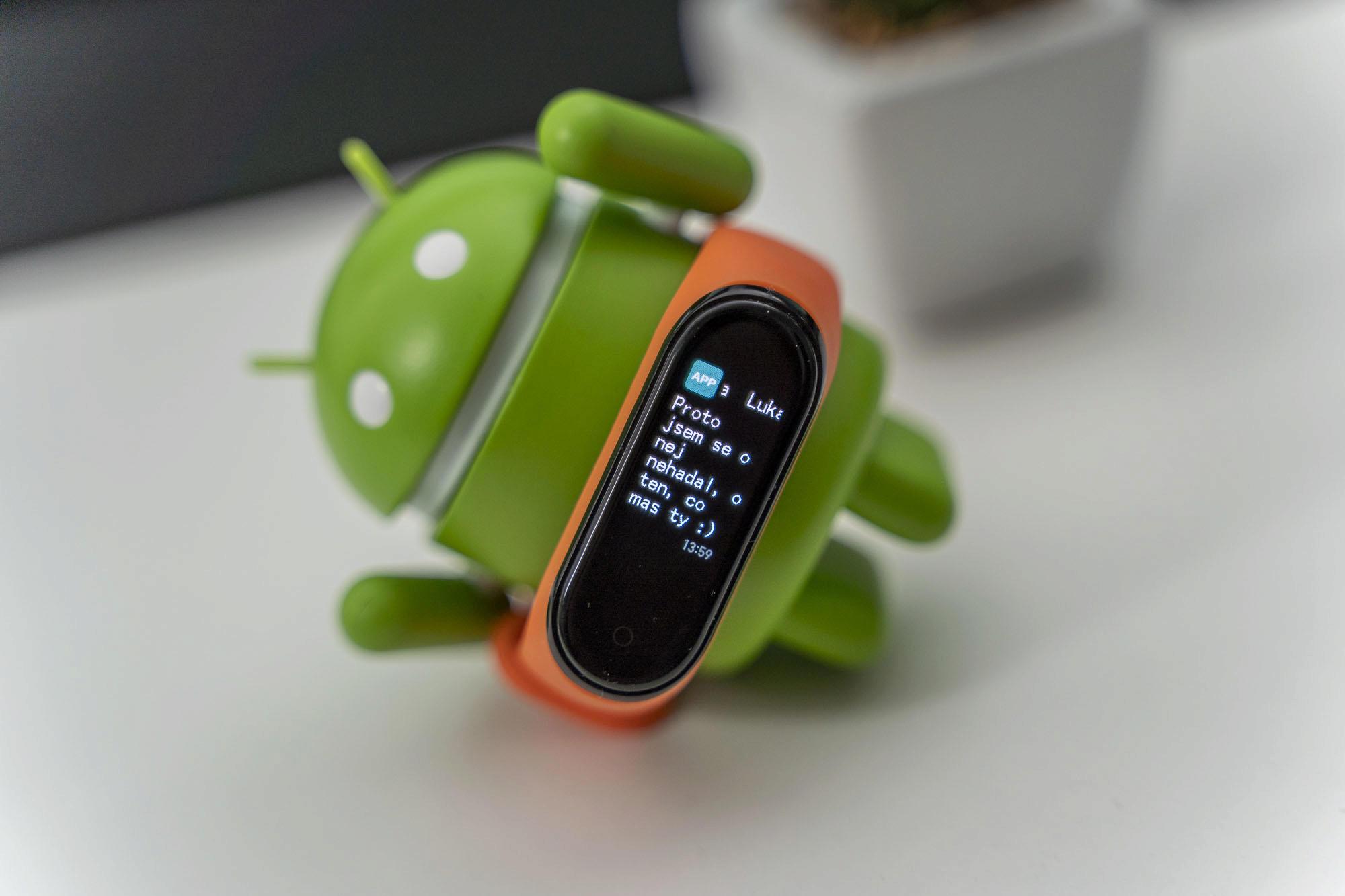 Xiaomi Mi Band 4 a česká diakritika: poradíme, jak na to - Svět Androida