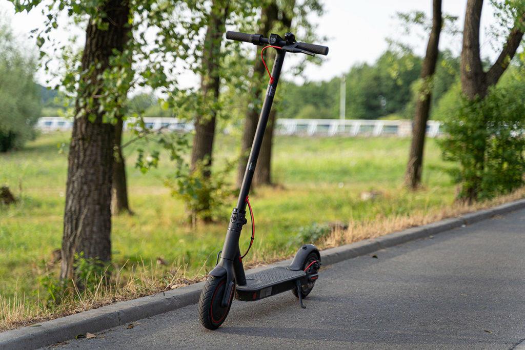 Xiaomi Mi Scooter Pro v přírodě