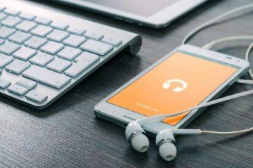 Kterou službu pro poslech hudby používáte?