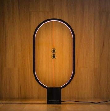 magnetická lampička s USB-C