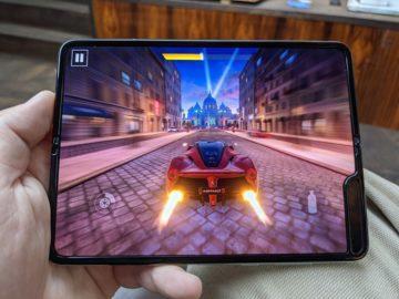 První dojmy ze Samsung Galaxy Fold hraní her 2
