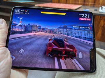První dojmy ze Samsung Galaxy Fold hraní her 3
