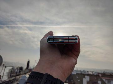 První dojmy ze Samsung Galaxy Fold ruka exteriér 9