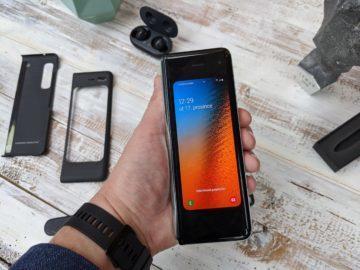 První dojmy ze Samsung Galaxy Fold unpacking 5