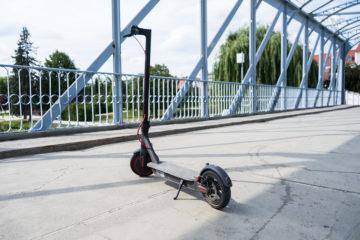 Xiaomi Mi Scooter Pro ve městě