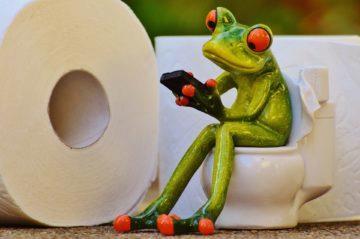Chodíte s telefonem na záchod?