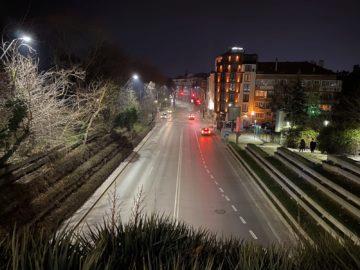 iPhone 11 Pro Max noční ulice