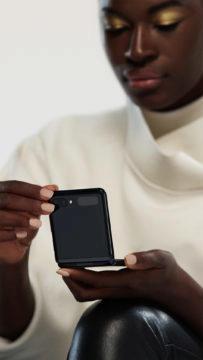 Samsung Galaxy Z Flip lifestyle 2