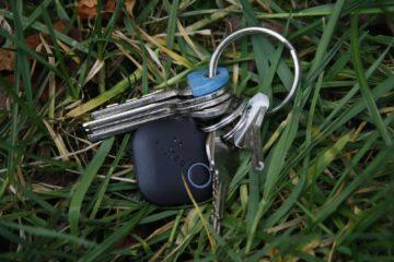 Fixed Smile klíče v trávě 2