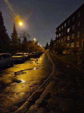 Fotografie Samsung Galaxy S20 Ultra 5G nocni ulice
