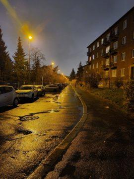 Fotografie Samsung Galaxy S20 Ultra 5G ulice nocni rezim