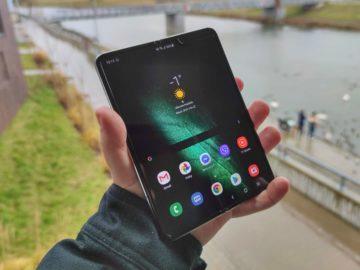 Samsung Galaxy fold otevřený