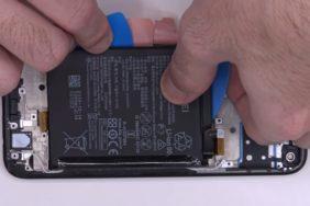 rozebrání Huawei P40 Lite
