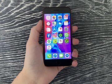 rozlišení displeje iphone se 2020
