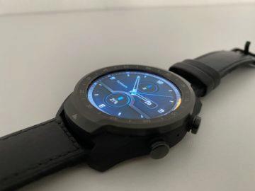 ticwatch pro 2020 displej
