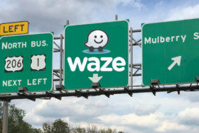 Navigace Waze přidává asistenta pro řazení do jízdních pruhů