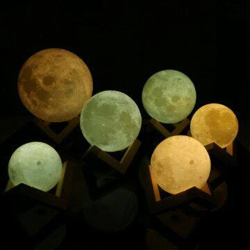 Elegantní lampa v podobě měsíce 2