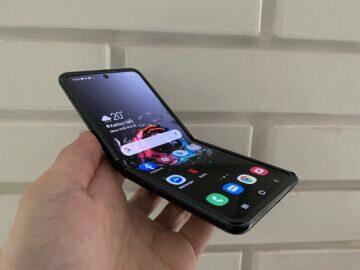 ohebný mobil samsung