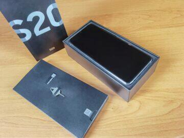 Samsung Galaxy S20 balení 2