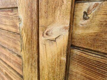 detail dřevo Samsung Galaxy S20