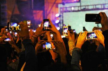 špatné návyky s mobilním telefonem