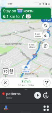 Google Mapy Android Auto navigační panel náhled světlý