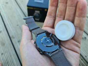 Huawei Watch GT2 Pro balení nabíječka