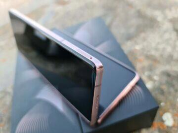Samsung Galaxy Z Fold2 V SIM šuplík