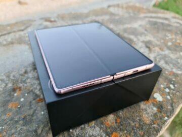 Samsung Galaxy Z Fold2 velký displej plocha