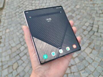 Samsung Galaxy Z Fold2 žlábek neviditelný