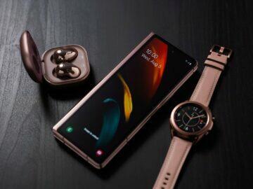 představení Samsung Galaxy Z Fold2 plus hodiny plus sluchátka