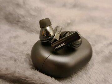Huawei FreeBuds Pro detail sluchátka pouzdro