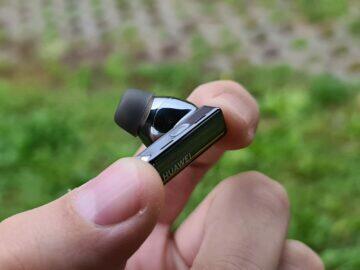 Huawei FreeBuds Pro sluchátko senzory