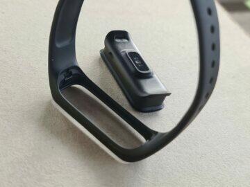 Samsung Galaxy Fit2 design tělo záda řemínek