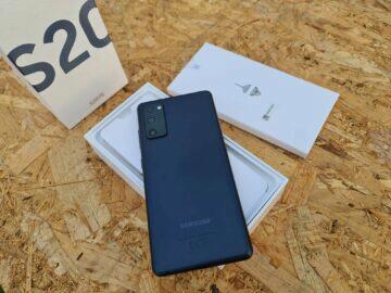 Samsung Galaxy S20 FE balení záda