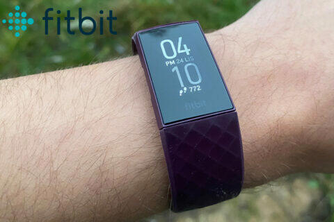 fitbit charge 4 recenze