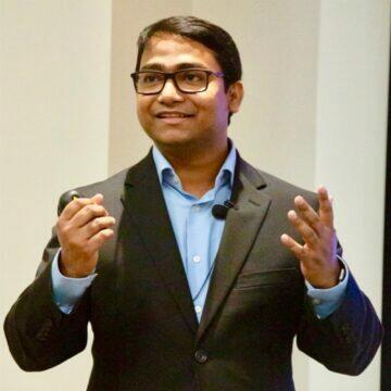 odposlouchávání vysavačem Nirupam Roy