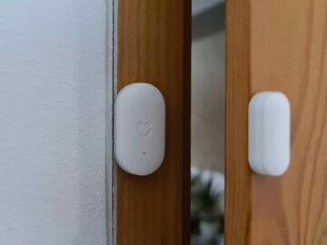 instalace dveřní senzor ložnice