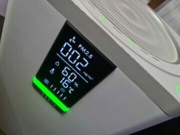 VOCOlinc VAP1 displej RGB LED signalizace zelená