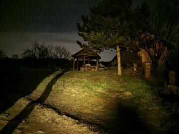 S21 noční zahrada po fotografování Samsung Galaxy S21 S20 Ultra