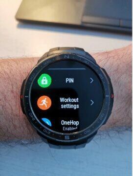 Chytré hodinky Honor praktické vychytávky - funkce zamčení PIN